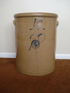 10 gallon crock with single P & target decoration.