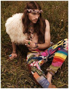 Mens Bohemian Style Zebedee Row Spook Fashion Editorial 005 Zebedee Row Goes Bohemian for SPOOK Fashion Editorial Hippie Make Up, Hippie Style, Hippie Mode, Bohemian Style Men, Moda Hippie, Look Boho, Bohemian Lifestyle, Gypsy Style, Boho Man