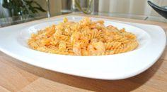 Receta de Pasta con gambas, nata y tomate entero pelado. En este caso he utilizado Fusilli, así se llama este tipo de pasta en Italia