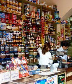 spice shops in cuenca (including CADELAES) Supermarket Design, Retail Store Design, Menu Board Design, Deli Shop, Spice Shop, Store Layout, Old Country Stores, Cake Decorating Supplies, Shop Interiors