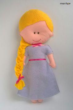 Rapunzel em feltro #artesanato #feltro #princesa #infantil #festadasprincesas #rapunzel #menina #boneca #costura #handmade #artesanatocriativo #decoração #marrispe