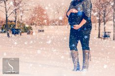 Winter Maternity Photography Snow Falling http://www.storytotell.me