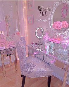 Nunca dejes de soñar , se tu mismo lucha x lo que kieres con entusiasmo , pasión pero sobretodo humildad #bewhoyouare #pink #pinkroom #pinklife #pinkroom #pinkbedroom #lovedecoration #lovemylife