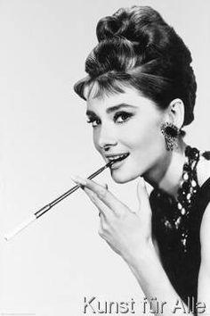 Hero - Audrey Hepburn - Cigaret