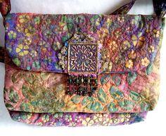 Creative Bag, Creative Ideas, Crazy Quilt Stitches, Boho Life, Textiles, Boho Accessories, Boho Bags, Handmade Purses, Quilt Stitching