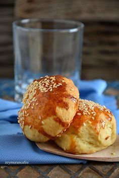 donut making with yogurt - Eat Recipes Donut Recipes, Baby Food Recipes, Donuts, Turkish Recipes, Ethnic Recipes, Turkish Kitchen, Middle Eastern Recipes, Perfect Food, Bagel