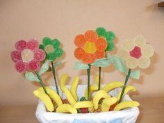 Cesta de flores de chuches