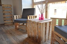 Such beautiful pallet armchairs and table. Perfect place for your coffee :)