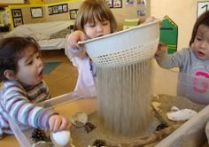 I need a colander Reggio Classroom, Infant Classroom, Sensory Activities, Activities For Kids, Sand Play, Preschool Centers, Toddler Play, Early Childhood Education, Lessons For Kids