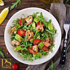 Those who have a plant-based diet have a lower risk of heart failure later in life, according to a recent study. This is in comparison with diets high in saturated fats, pre-packaged and fried foods. Mashed Plantains, My Colombian Recipes, Lettuce Tacos, Seafood Stew, Shrimp Recipes Easy, Shrimp Dishes, Spicy Shrimp, Dinner Salads, How To Cook Shrimp