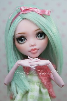 This listing is for a custom / repainted Draculaura doll. I have called her Menta.    This is the work I have done in her (her outfit can take off