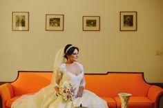 Noiva Raquel Nacif/ Foto: Fabrícia Soares/ Cerimônia e Festa: Capela do Colégio Marista São José (Tijuca) e Espaço 1 Casa de Eventos/ Data: 19/07/2014