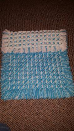 Criss-cross Loom Blanket, Baby Blanket Crochet, Crochet Baby, Pom Pom Crafts, Yarn Crafts, Diy And Crafts, Pom Pom Baby, Pom Poms, Loom Weaving