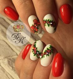Very stunning Christmas inspired nail art. Christmas Nail Art Designs, Winter Nail Designs, Winter Nail Art, Winter Nails, Xmas Nails, Holiday Nails, Christmas Nails, Fabulous Nails, Gorgeous Nails