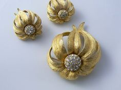 Hattie Carnegie Coneflower Demi Parure by 242VintageLane on Etsy, $65.00