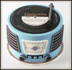 Retro record player birthday cake.
