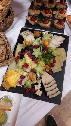 Four Cheese Pasta, Food Decorating, Charcuterie, Catering, Dairy, Cheese Platters, Cold Cuts, Catering Business, Gastronomia