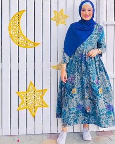 Casual hijab wear styling ideas – Just Trendy Girls Source by justtrendygirls dresses hijab Hijab Casual, Modest Fashion Hijab, Modern Hijab Fashion, Muslim Women Fashion, Street Hijab Fashion, Casual Dresses, Moda Hijab, Hijab Mode Inspiration, Abaya Mode