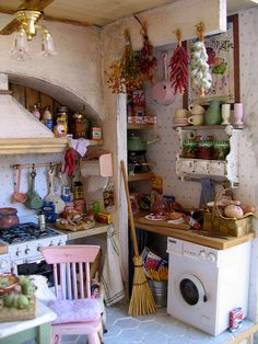 Dollhouse miniature - original pinner sez: like this ... a 'busy' kitchen ...