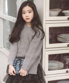 Golf Swing Tips for the Female Players Cute Asian Babies, Korean Babies, Asian Kids, Cute Korean Girl, Cute Babies, Mode Ulzzang, Ulzzang Kids, Ullzang Boys, Kids Girls