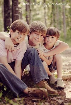 Great brothers pose...brad, will & waylon