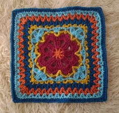 Ravelry: Project Gallery for Flower Tile Afghan Square pattern by Marta Chrzanowska