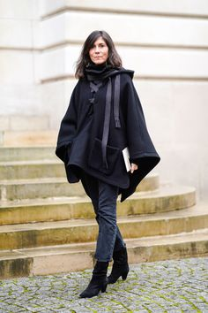 Emmanuelle Alt Style, Vogue Editor In Chief, Parisian Chic Style, Fall Jeans, Kendall Jenner Outfits, Over 50 Womens Fashion, Couture Week, Winter Fashion, Paris Fashion