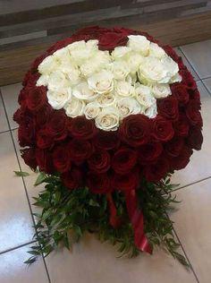 Buchet superb de trandafiri