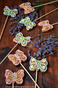 Turta dulce - CAIETUL CU RETETE Xmas, Desserts, Blog, Cakes, Sweets, Noel, Tailgate Desserts, Deserts, Cake Makers