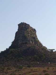 Isandlwana - the mountain looks like the Sphinx in Egypt - the cap badge of the of Foot regiment fighting here was the shape of the Sphinx . Chuck Norris Facts, Union Of South Africa, Kwazulu Natal, Travel Things, Dundee, African History, British History, Historical Society, Napoleon