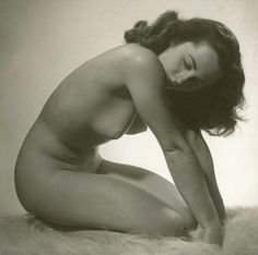 This is the only known picture of Elizabeth Taylor posing nude. It was an engagement gift from her to producer Mike Todd, her third husband. The picture at age 24 was taken by one of her closest friends, actor and photographer Roddy McDowall, who persuaded her that it would be done tastefully. She gave it to Todd as a present in 1956. He was killed when his private plane crashed in 1958. It was bought by private collector Jim Shaudis in 1980. After her death, he decided to release the image.
