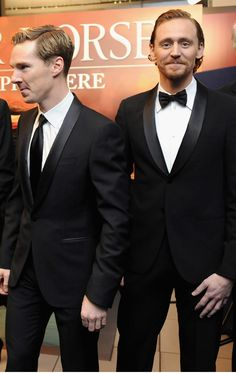The look on their faces totally makes me think that Tom is pinching Benny's butt hoping no one notices, lol!!!!!