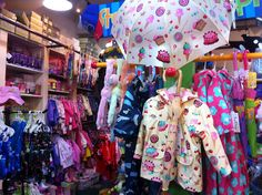 A melhor loja de artigos de chuva EVER