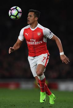 Alexis Sanchez Photos - Alexis Sanchez of Arsenal runs with the ball during the Premier League match between Arsenal and West Ham United at Emirates Stadium on April 2017 in London, England. - Arsenal v West Ham United - Premier League Arsenal Players, Arsenal Football, Arsenal Fc, Soccer Guys, Soccer Players, Football Soccer, Alexis Sanchez Manchester United, Alexis Sanchez Arsenal, Major League Soccer