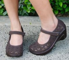 J41 Vegan Sailor 8.5 M Brown Flowers Bronze insert Mary Janes Shoes Sandals $47.24 free shipping!