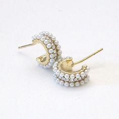 Pearl girl must have! Adorable, yet sophisticated huggie hoop earrings, pearl, CZ earrings. Pearl Bracelet, Pearl Jewelry, Bridal Jewelry, Fine Jewelry, Chandelier Earrings, Hoop Earrings, Pearl Earrings, Hammered Gold, Wedding Earrings