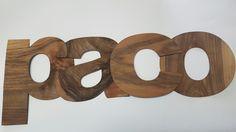 Nombres con madera.