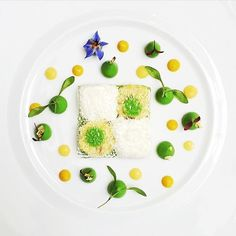 #RECIPE Brittany crab salad w/ avocado, lemon curd, opaline, syphon yuzu by chef Julien Montbabut of Le Restaurant at L'Hôtel in Paris up on theartofplating.com now #TheArtOfPlating