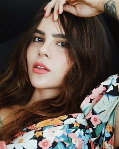 𝓨𝒖𝒚𝒂 (@yuyacst) • Fotos y videos de Instagram The Most Beautiful Girl, Beautiful Women, Just She, Selfie Poses, Foto Pose, Portrait Photo, Beauty Women, Youtubers, Girl Fashion