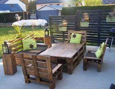 Le salon de jardin et le plaisir du choix | Pallet sofa, Pallets ...