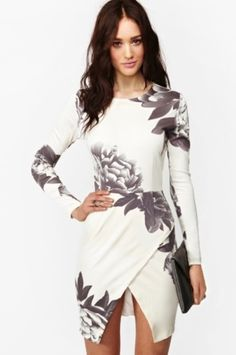 Shop Women's size M Dresses at a discounted price at Poshmark. Description: White long sleeve random floral print wrap dress in medium. Cute Dresses, Beautiful Dresses, Short Dresses, Wrap Dresses, Dress Long, Sleeve Dresses, Gorgeous Dress, Mini Dresses, Sexy Dresses