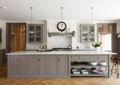 deVOL Kitchens make the Classic English Kitchen, Shaker Kitchen and Air kitchens. Shaker Style Kitchen Cabinets, Shaker Style Kitchens, Kitchen Cabinet Styles, Shaker Kitchen, New Kitchen, Kitchen Ideas, Shaker Cabinets, Kitchen Island, Kitchen Decor