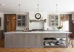 deVOL Kitchens make the Classic English Kitchen, Shaker Kitchen and Air kitchens. Shaker Style Kitchen Cabinets, Shaker Style Kitchens, Kitchen Cabinet Styles, Shaker Kitchen, New Kitchen, Kitchen Decor, Kitchen Ideas, Shaker Cabinets, Kitchen Island