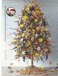 Arbolito pequeño decorado con flores, muy natural
