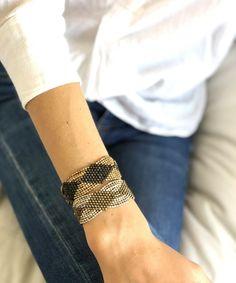 Bracelet maille doré et noir – LESSisRARE Beach Restaurant Design, Arm Hair, Bracelets, Leather, Jewelry, Fashion, Bangle Bracelets, Black Colors, Lobster Clasp