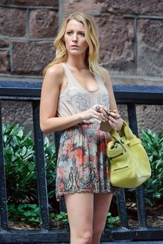 "Blake Lively Photo - Blake Lively films ""Gossip Girl"" in NYC 7"