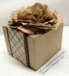 Orchard Harvest DSP, Kraft Gift Box, packaging paper flower, Stampin' Up! Butterfly Crafts, Flower Crafts, Diy Flowers, Paper Flowers, Paper Bag Crafts, Diy Paper, Paper Packaging, Packaging Ideas, Cosmetic Packaging