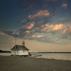 Cherry Beach, Toronto, Ontario, Canada (via MapleReefers.Ning.com)