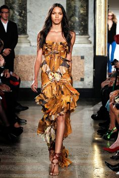 Emilio Pucci Spring 2011 Ready-to-Wear Collection Slideshow on Style.com
