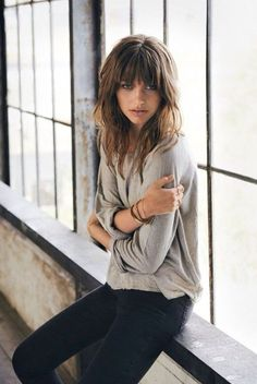 Awesome full fringe hairstyle ideas for medium hair 4